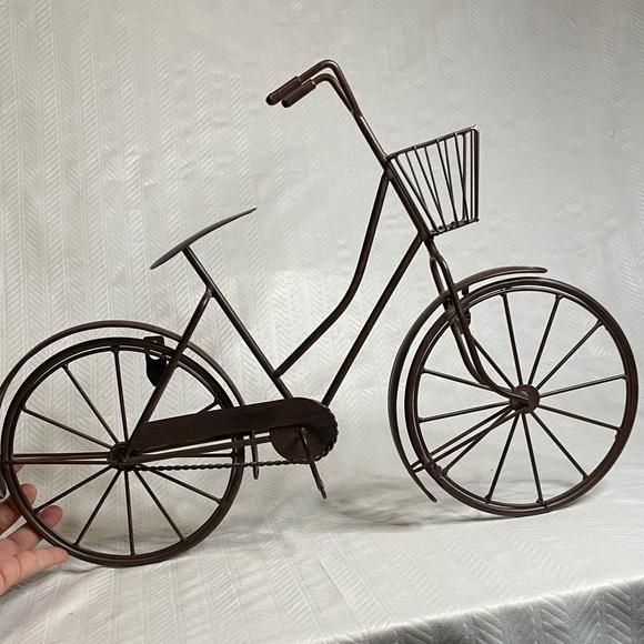 Cruiser bike wall hanging woman's bike with basket